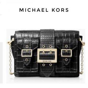 MICHAEL KORS HAYDEN POCKET MSGR embossed leather